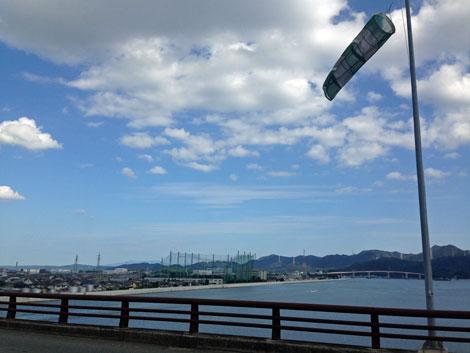 15岡南大橋の幟.jpg